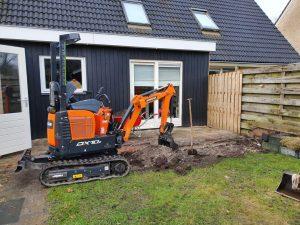 Eastermar aanbouw met nieuwe bestrating en schutting 3