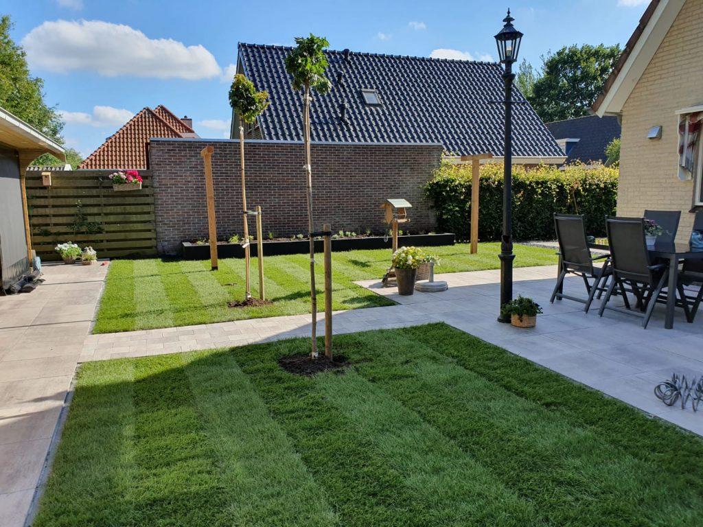 Sumar compleet nieuwe tuin met grote schuur en overkapping 4